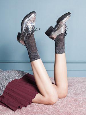 На картинке изображено - Женские фантазийные носки с люрексом Gabriella Tova | фото 3