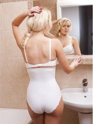 На картинці зображено - Безшовні втягуючі трусики максі Hanna Style 03-70 XXL | фото 5